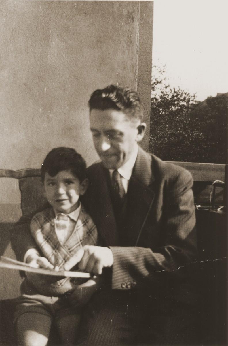 Michel Schadur with his son Joseph in Berlin-Pankow.