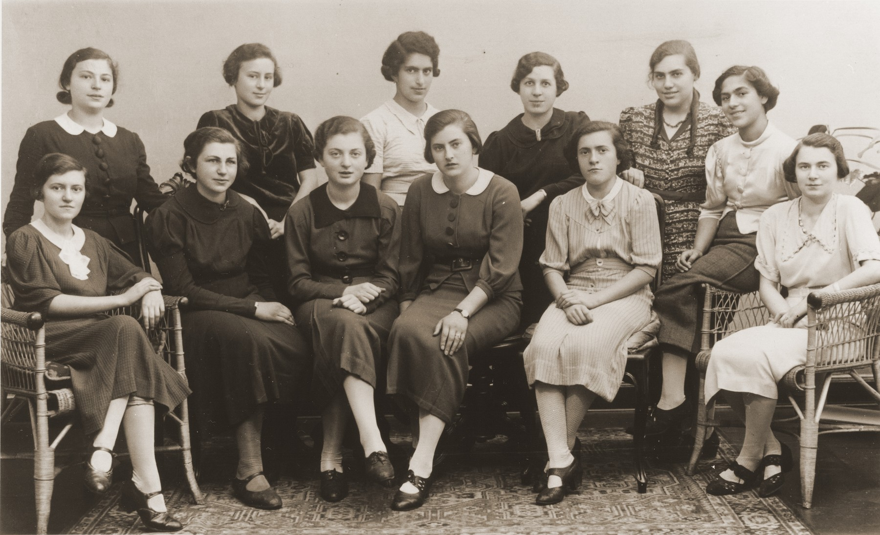 Group portrait of girls in the Nuremberg chapter of the Ezra youth movement.    Among those pictured are Hanna Feuchtwanger, ? Frankfort, Margot Korngold, Erna Metzger, Trudel Farntrog, Rosl Neumann, Tepi Silber, Hanna Metzger and Lotte Abusch.  .
