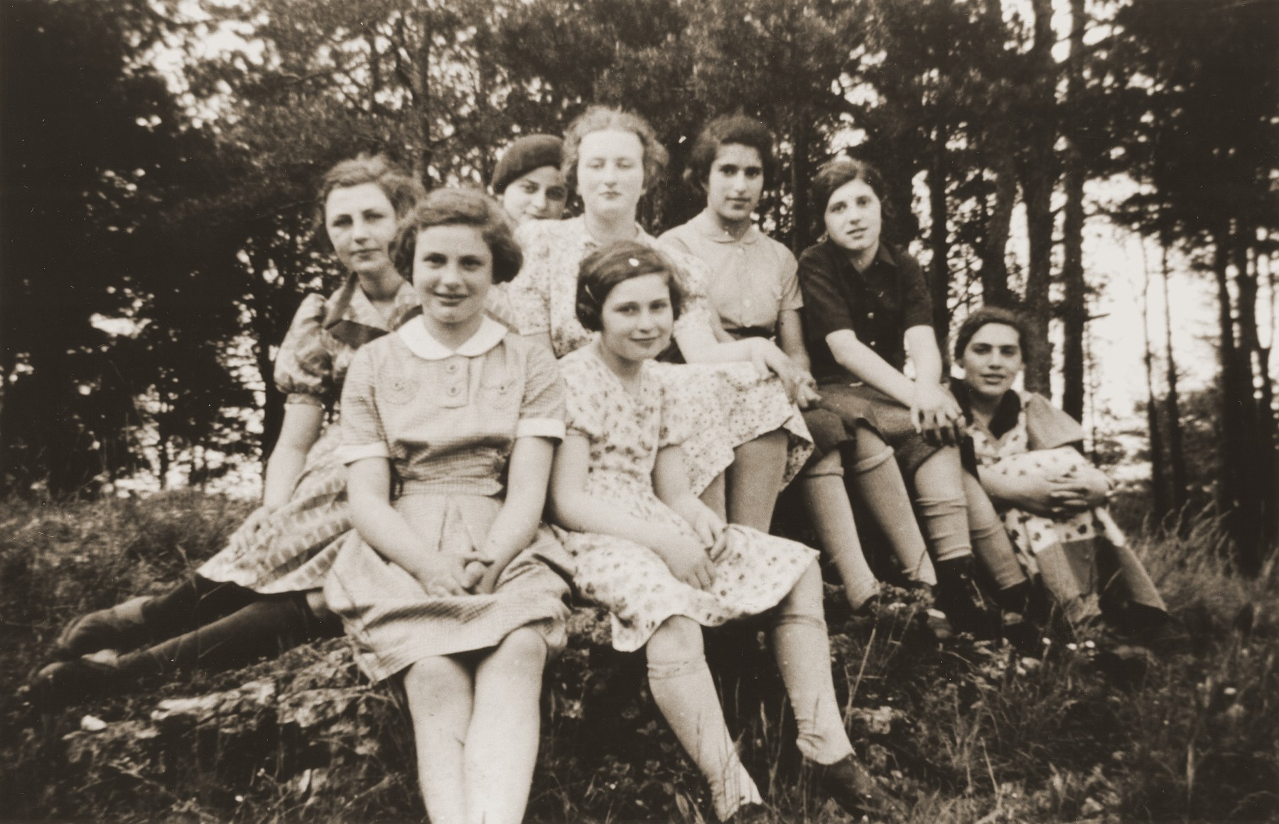Members of the Ezra youth group on a summer excursion.    Among those pictured are Ruth Eschwege, Hanna Feuchtwanger, Gerta Halle and Rosi Katz.  Ezra was an orthodox Jewish youth movement affiliated with Agudat Yisrael.  It was headed by Adolf (Avraham) Kohn, who later emigrated to England and became principal of the Jewish Teachers Seminary for Girls in Gateshead.