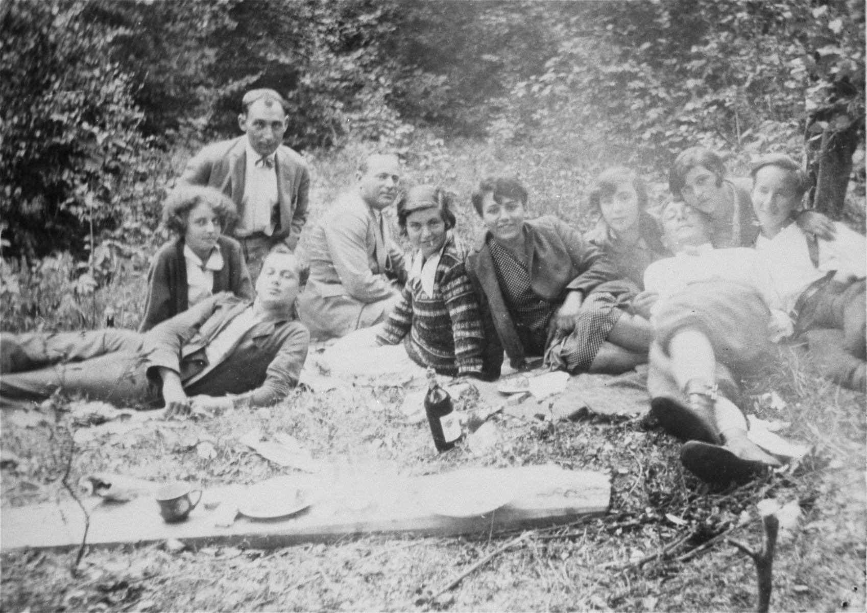 Jewish youth on a picnic in Pozega, Croatia.  Among those pictured is Blanka Klein (later Kupfermann).