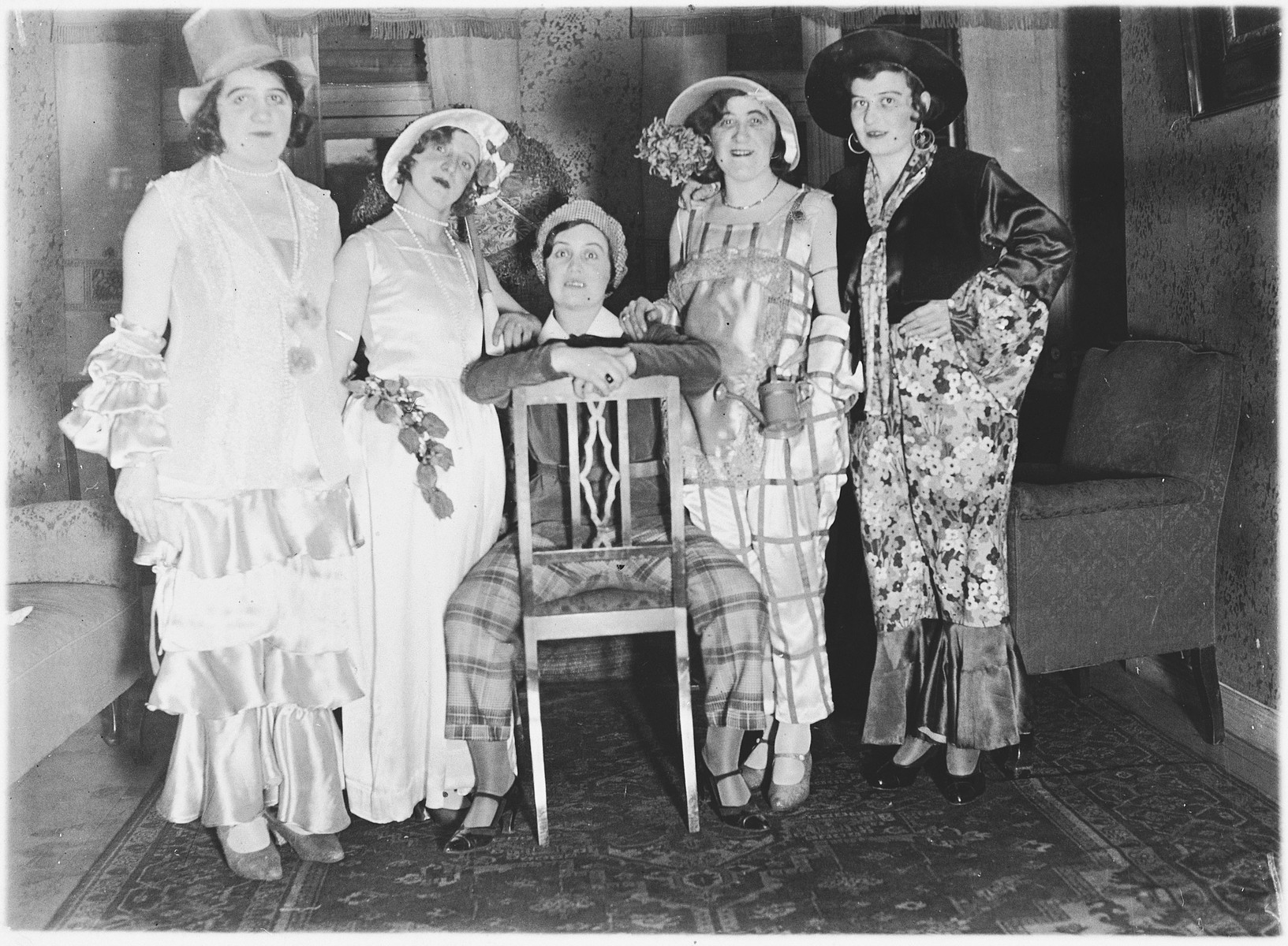 Group portrait of young Jewish women dressed in elaborate costumes in Luxembourg.  Among those pictured are Margaretha Nussbaum (left) and her friend Erna Hirsch.