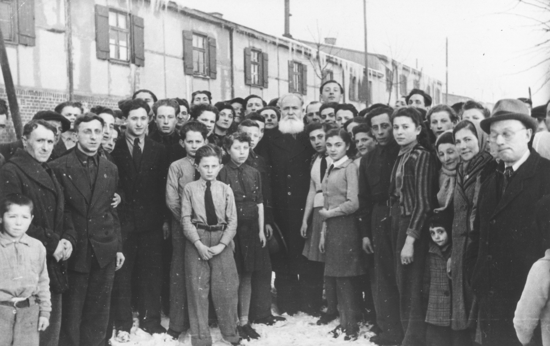 Jewish DPs pose with Zionist leader, Jacob Zerubavel, during his visit to the Ziegenhain displaced persons camp.