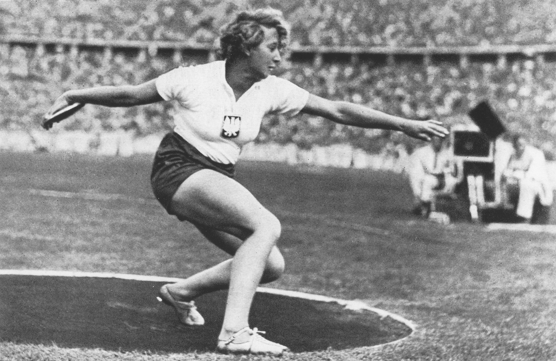 Polish athlete Jadwiga Wajsowna competes in the discus throwing event at the 11th Summer Olympic Games in Berlin. She finished second.