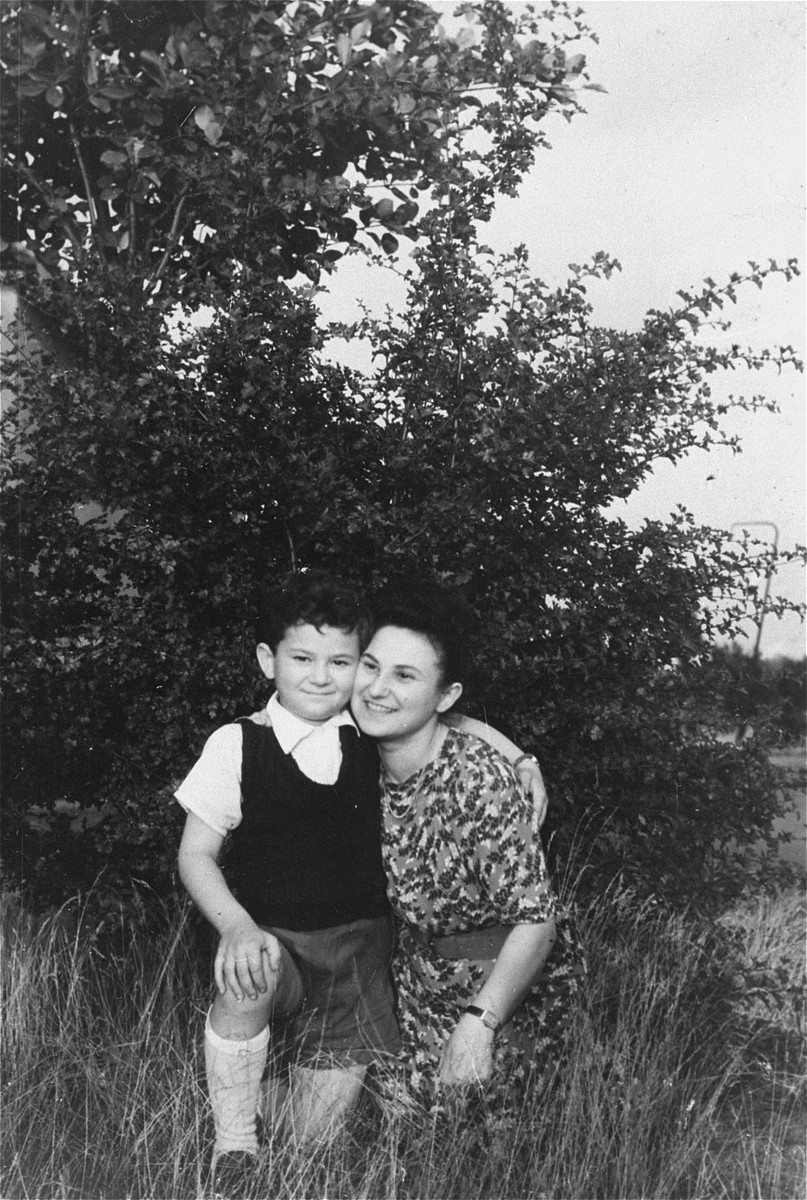 Cesia Kaiser poses with her son Jurek in the Bergen-Belsen displaced persons camp.