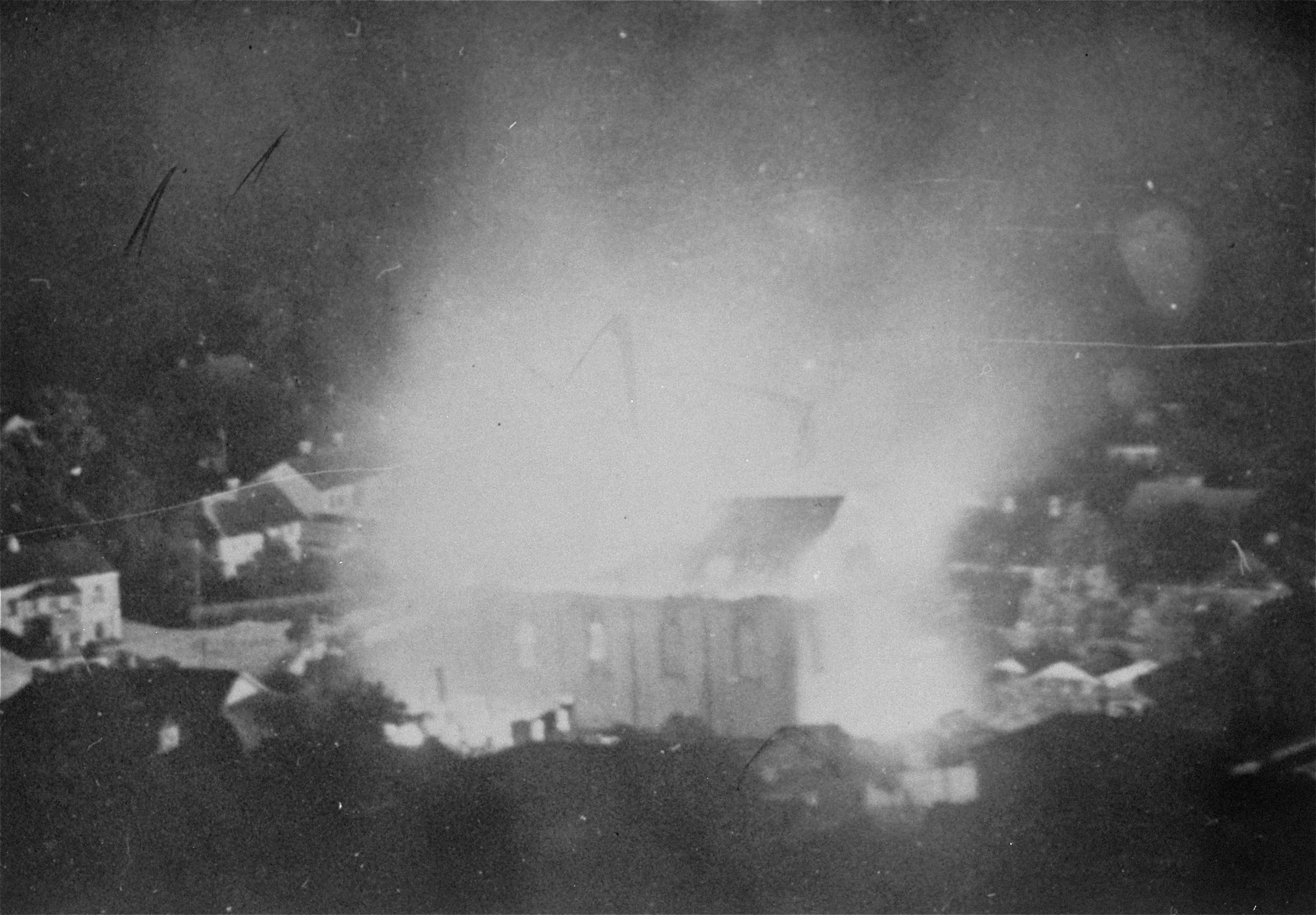 View of a burning synagogue in Krzemieniec.