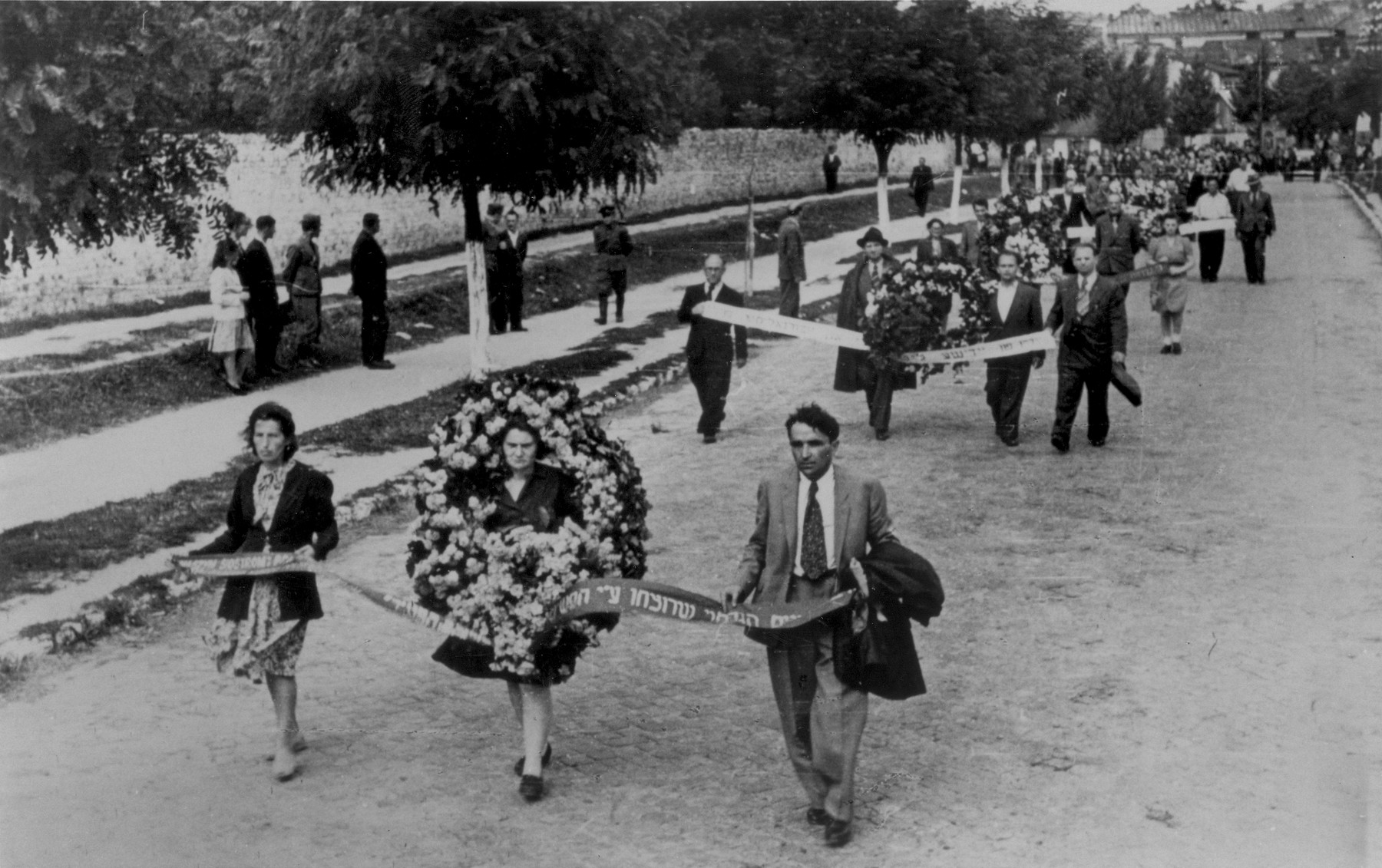 Funeral procession for the victims of the Kielce pogrom.