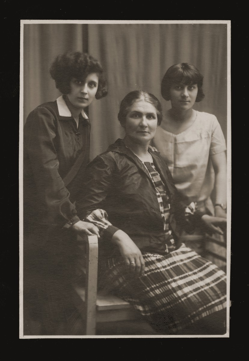 Studio portrait of Gizela Adlerfliegel with her daughters Karola and Mania.  Gizela passed away before the war, two years after the photo was taken.
