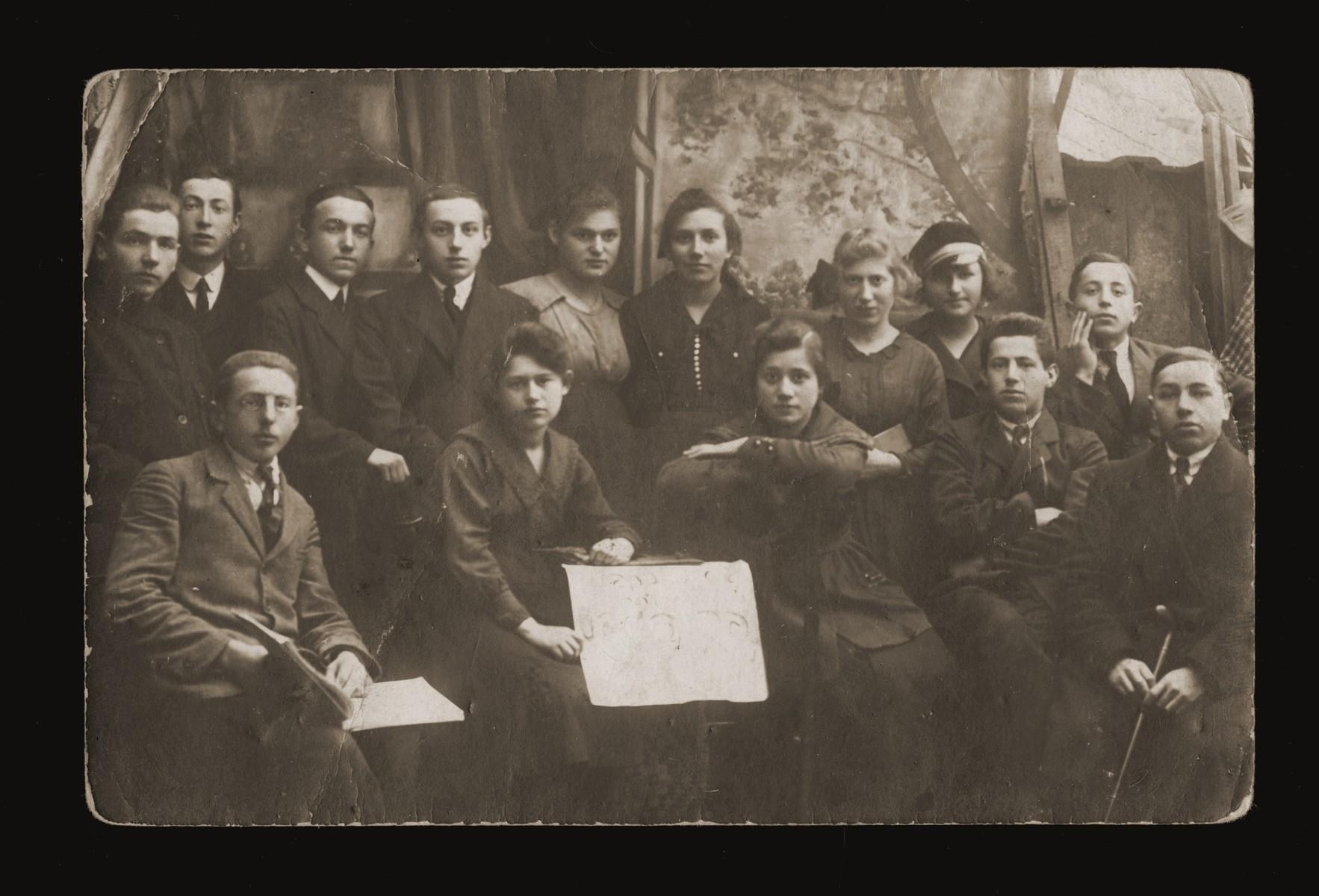 Group portrait of Jewish youth [probably in Dabrowa Gornicza].