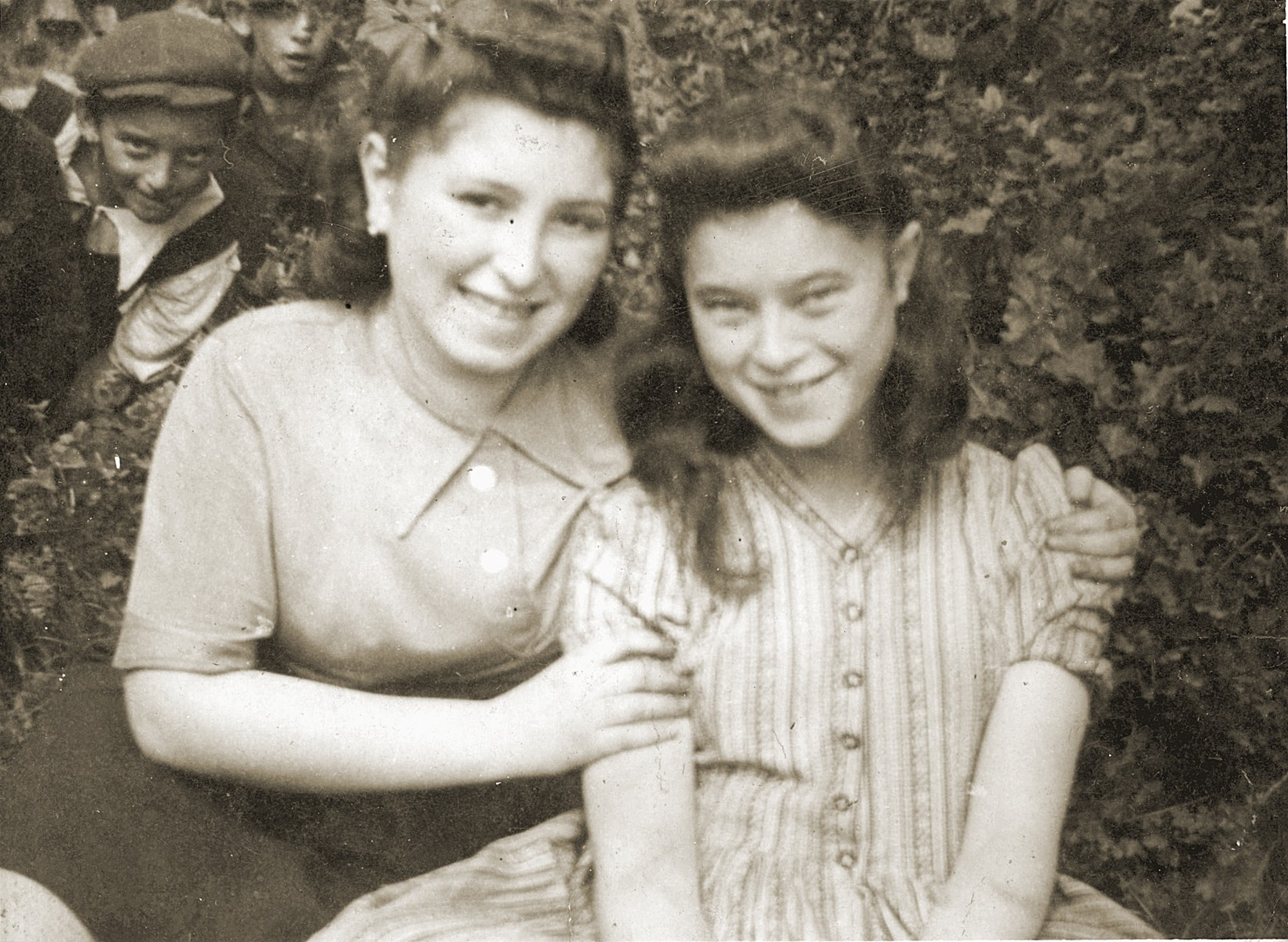 Close up portrait of Mania and Mina Cawadel taken in the Bedzin ghetto.