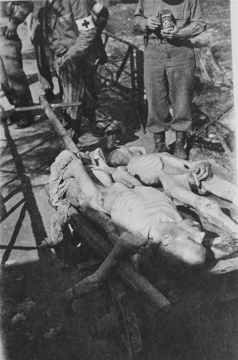 A cart laden with bodies in Ebensee.