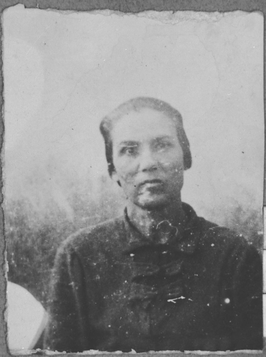 Portrait of Rashel Koen, wife of Menachem Koen.  She lived at Asadbegova 17 in Bitola.