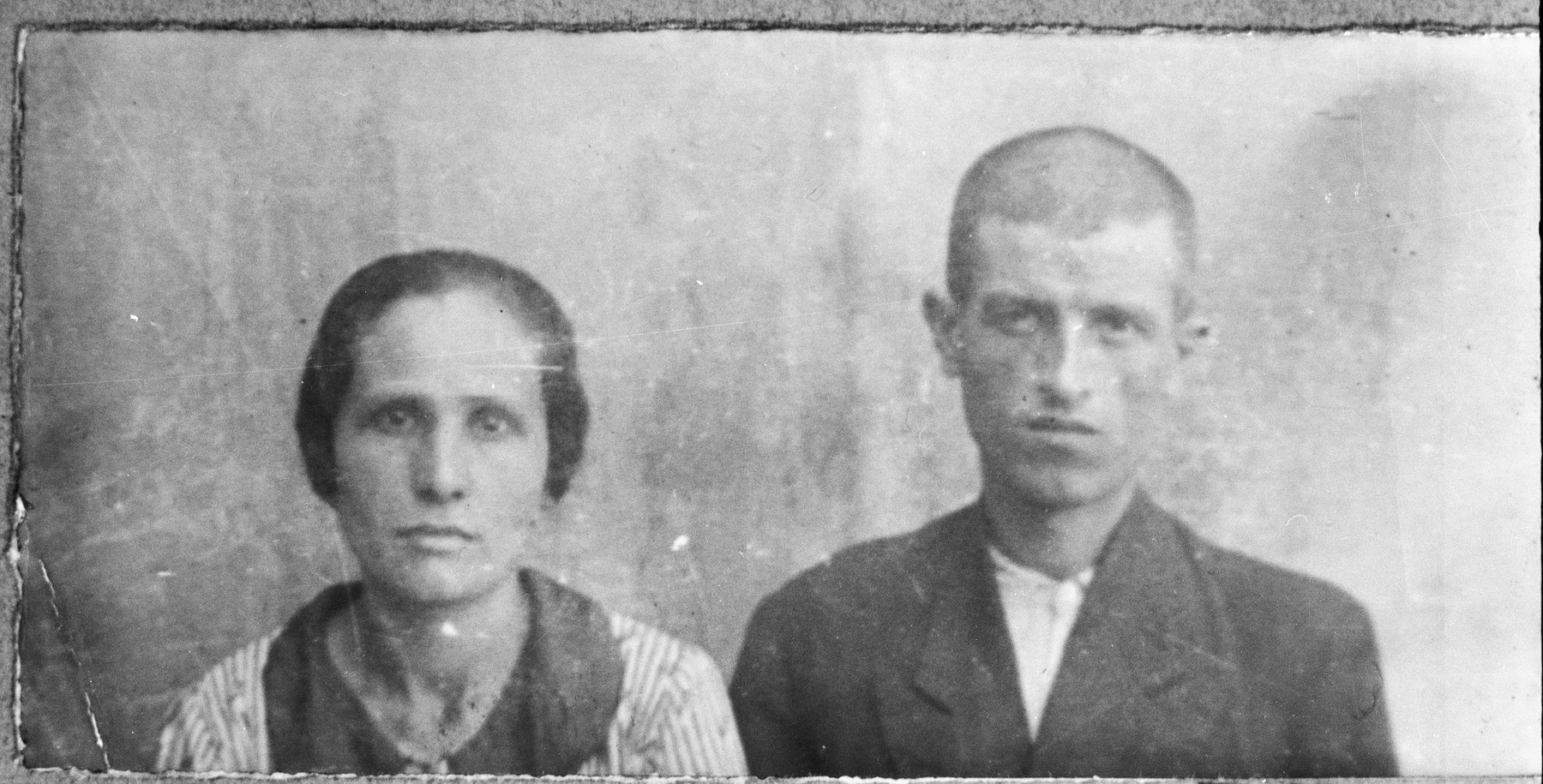 Portrait of David Koen, son of Yehuda Koen, and David's wife, Sara.  David was a laborer.  They lived at Zmayeva 13 in Bitola.