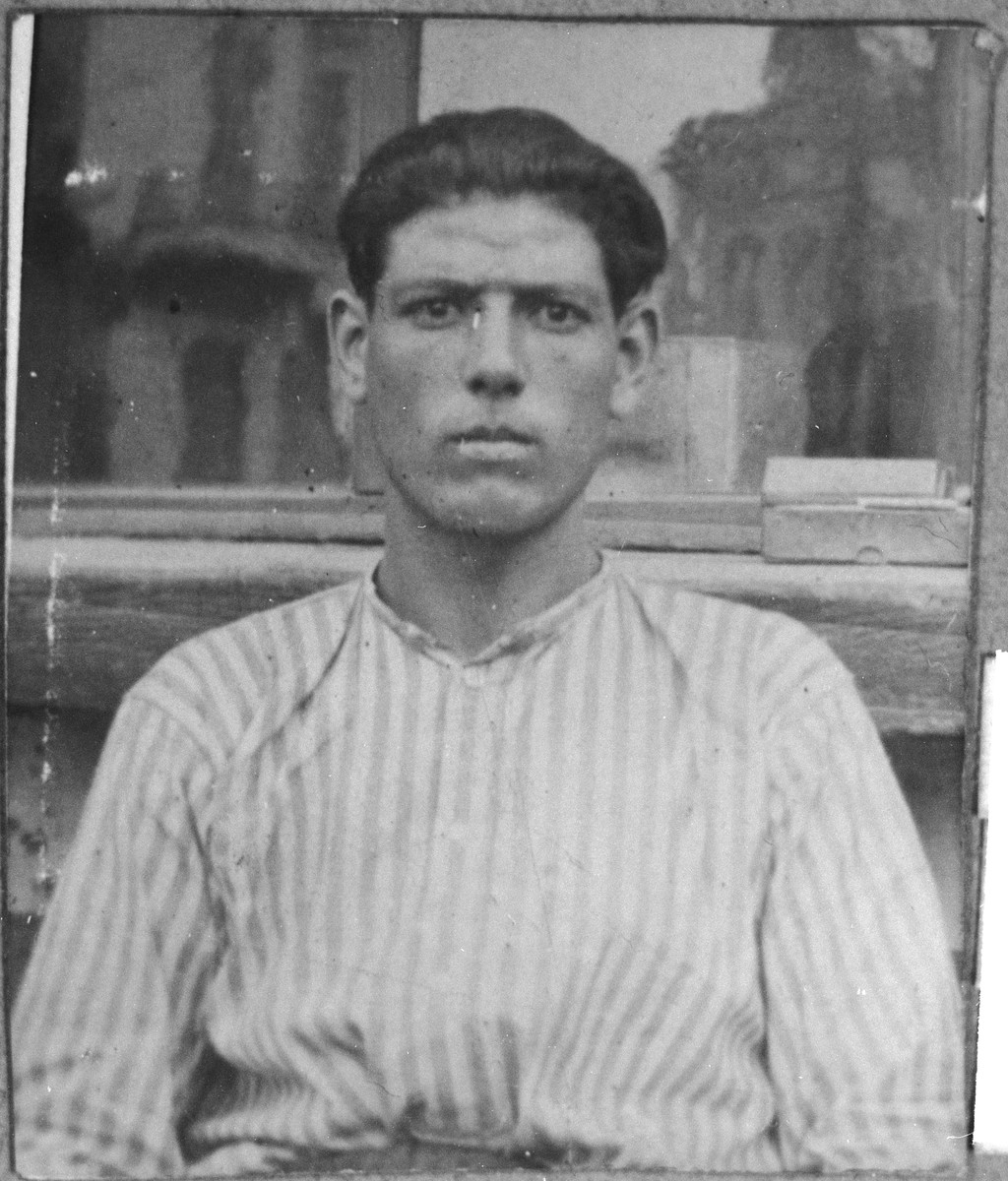 Portrait of Yakov Koen, son of Aron Koen.  He was a carpenter.  He lived at Karagoryeva 64 in Bitola.