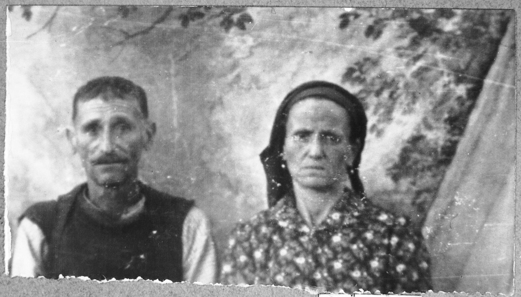 Portrait of Eliau Koen and his wife, Gracia.  Eliau was a coachman.  They lived at Avliya 4 in Bitola.