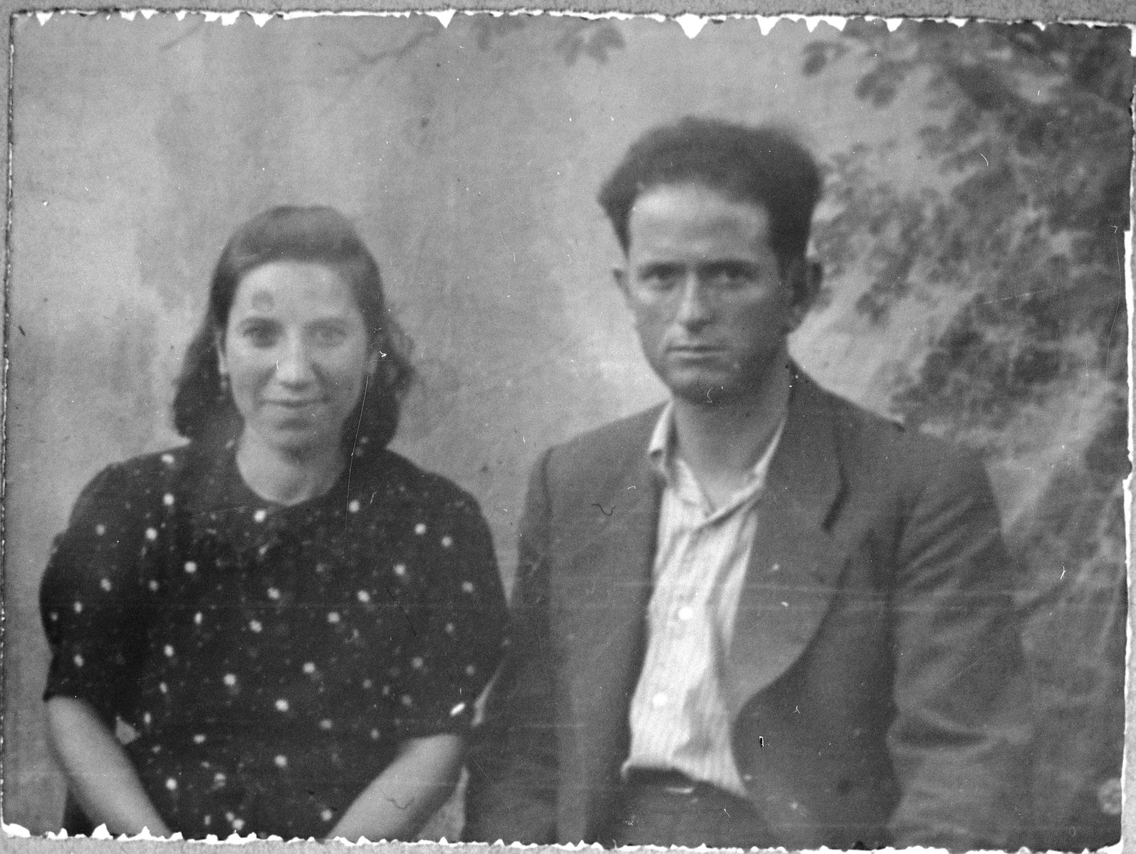Portrait of Mois Koen, son of Shalom Koen, and Mois' wife, Miriam.  Mois was a miller.  They lived at Banatska 21 in Bitola.