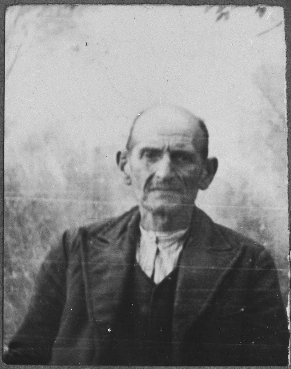 Portrait of Menachem Koen.  He was a carpenter.  He lived at Asadbegova 17 in Bitola.