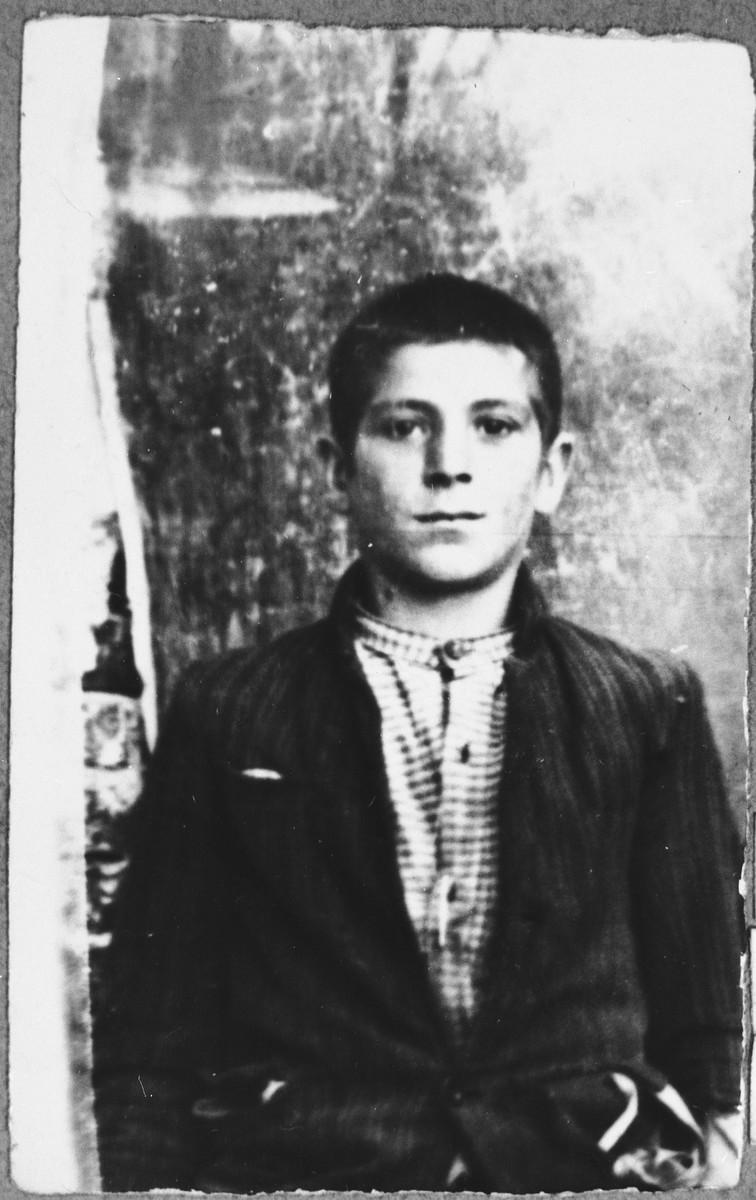 Portrait of Samuel Koen, son of Mushon Koen.  He was a student.  He lived at Drinska 119 in Bitola.