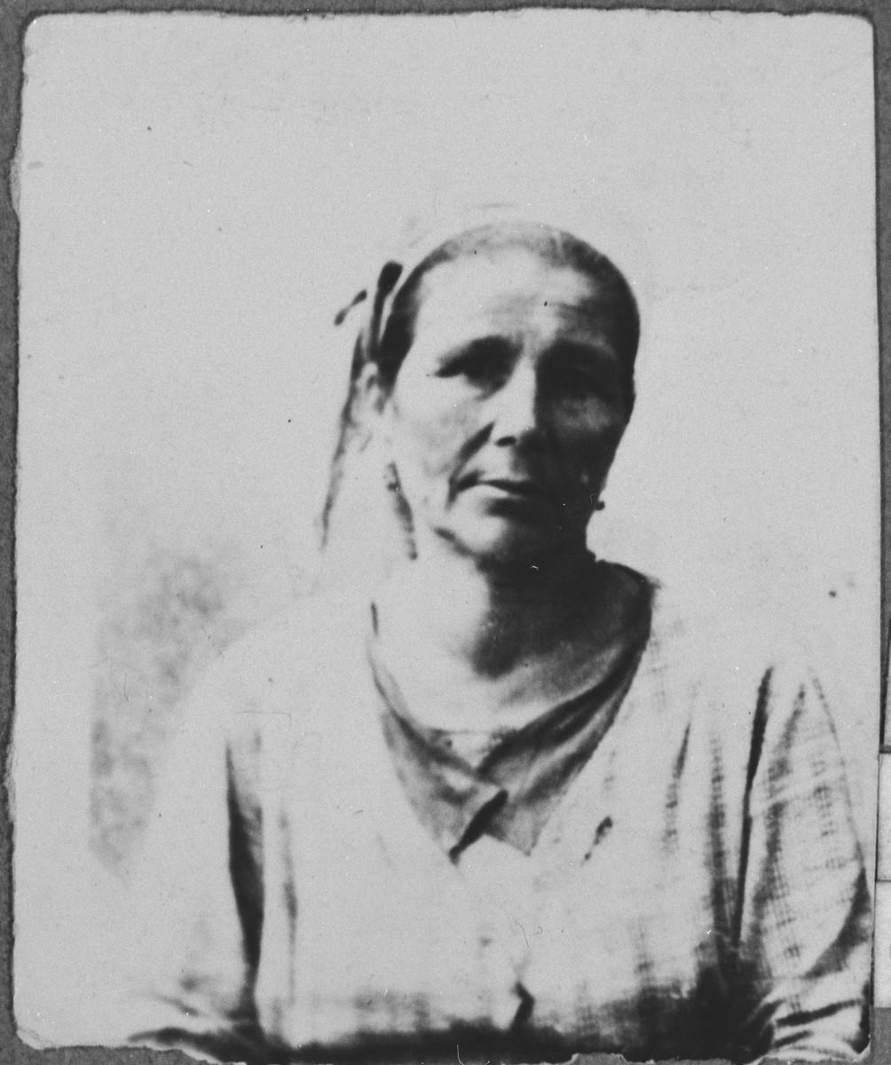 Portrait of Djamila Koen (patronymic: Mair).  She was a laundress.  She lived at Avliya 7 in Bitola.