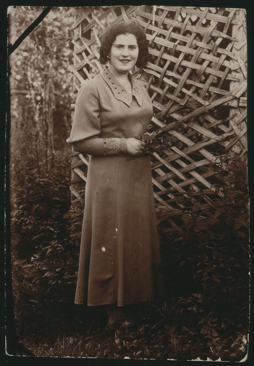 "Portrait of Miriam Koppelman Rushkin.    The photo was inscribed in Yiddish, ""In memory for my sister and brother-in-law from your sister Mirele.  A special memory from Eishyshok.  April 26, 1934.""  Miriam Koppelman Rushkin died a natural death in 1940."