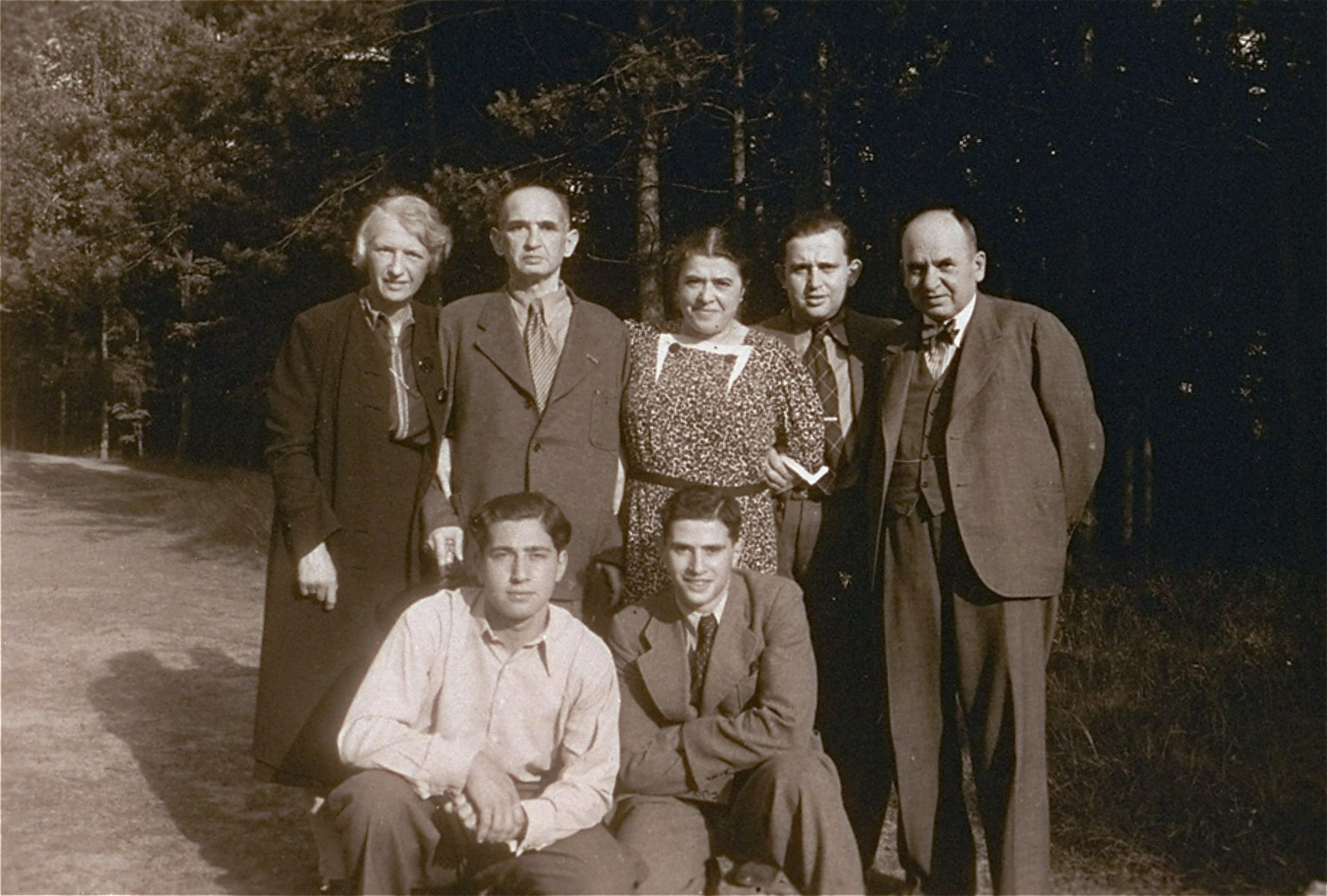 Group portrait of an extended German-Jewish family on an outing in Tiergarten in Berlin.    Among those pictured are Elsa, Carl and Peter Victor.