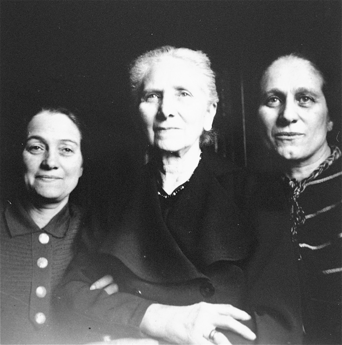 Bertha (Wolffberg) Gottschalk (center) poses with her two daughters, Nanny Lewin (left) and Kaethe Knipfer (right) in Berlin.    Bertha and Nanny were deported to Theresienstadt in 1942, and Kaethe in 1944. Only Kaethe survived.