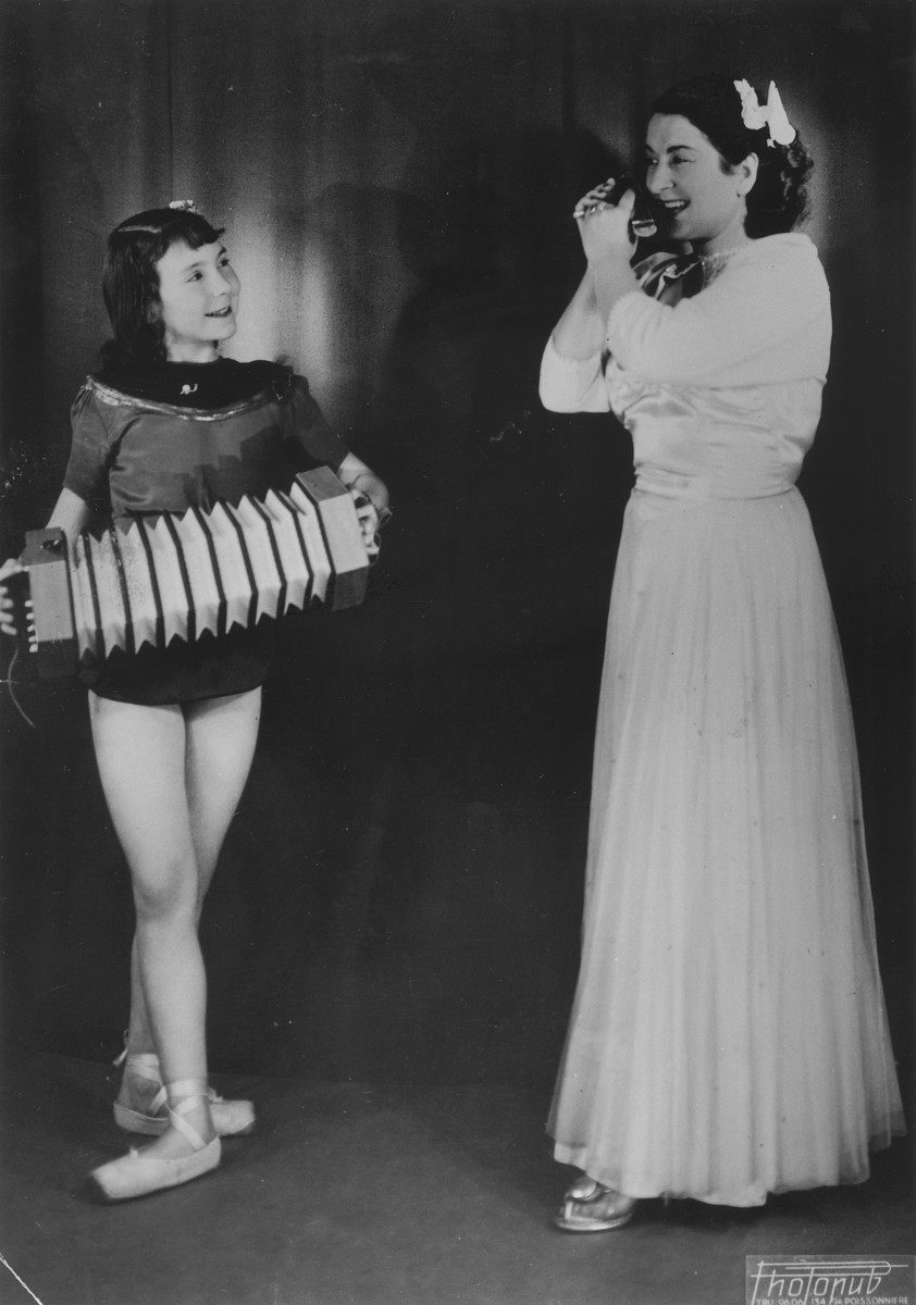 Sylvia Ruthling and her mother perform a cabaret act.