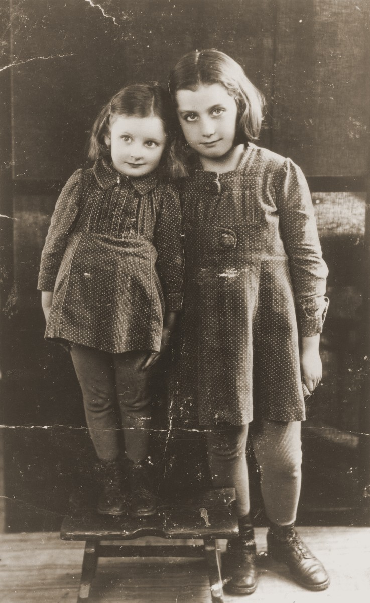 Elvira and Mira Keller, daughters of Daniel Ripp's older sister.  They both later perished in Auschwitz.