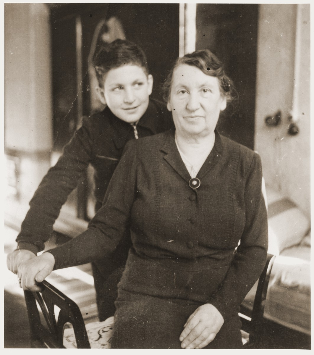 Fruma Rabinovitch, nee Fraenkel, with her grandson, Shmuel.
