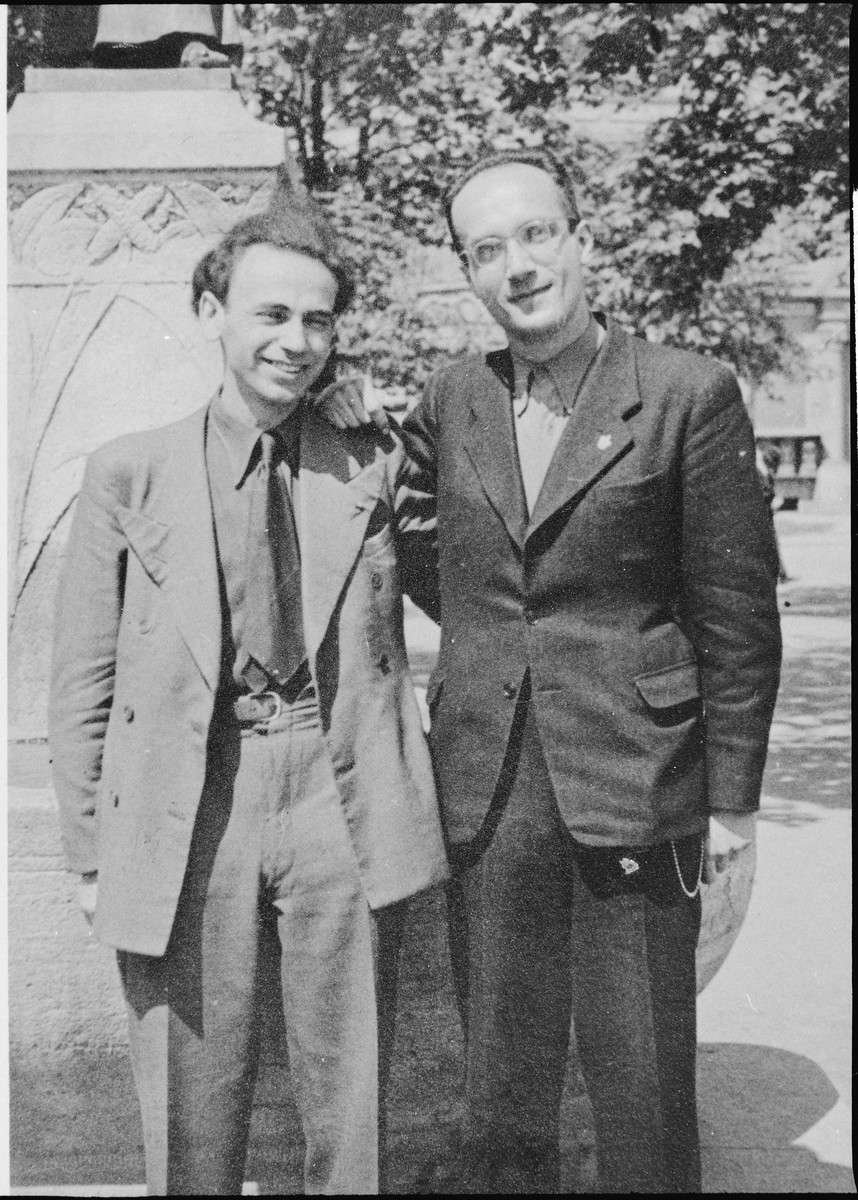 Nathan Schwalb (left), director of the international Hechalutz office of the World Zionist Organization in Geneva, poses with Jizchak Schwersenz (right), former Hehalutz leader in Berlin, soon after his escape to Switzerland.