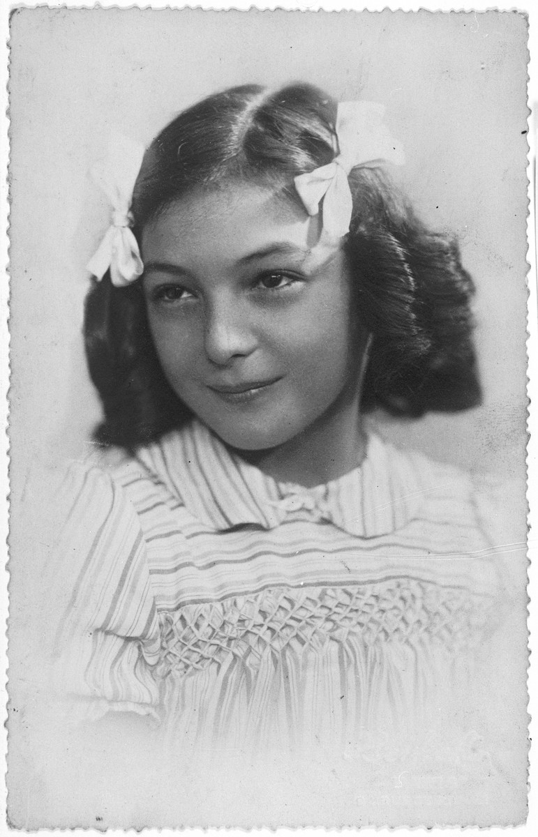 Portrait of Brenda Hershkovitz.