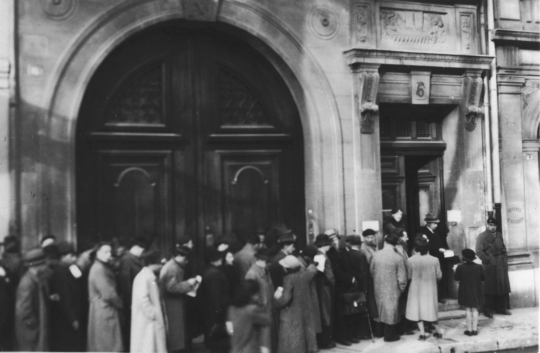 Refugees line up outside the American consulate, 6 place Felix Baret in Marseilles.