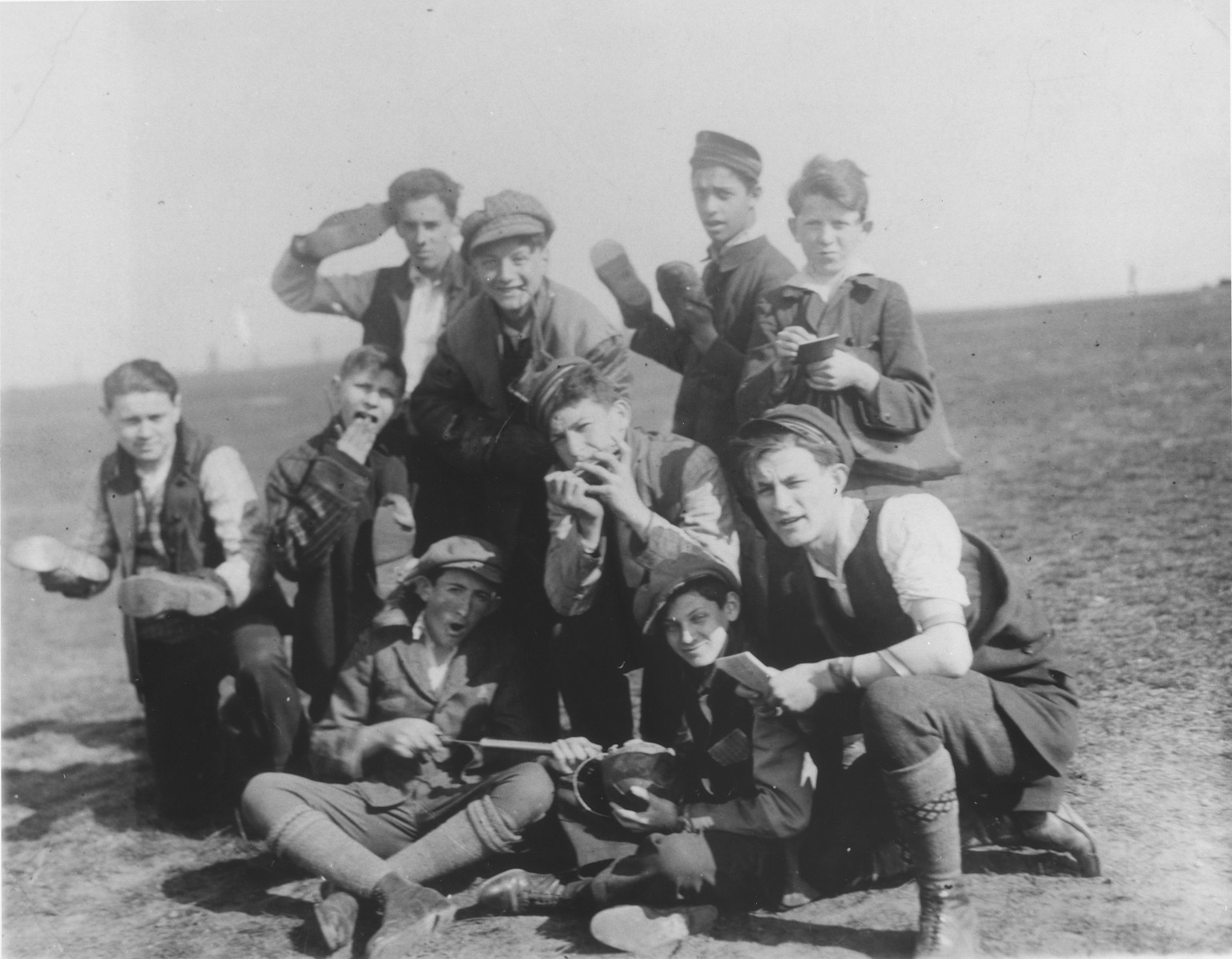 Jewish youth on an outing in Czernowitz.  Among those pictured are Jascha Stein (center); Jacob Flexor (bottom right); and Moshe Kasner (top right).