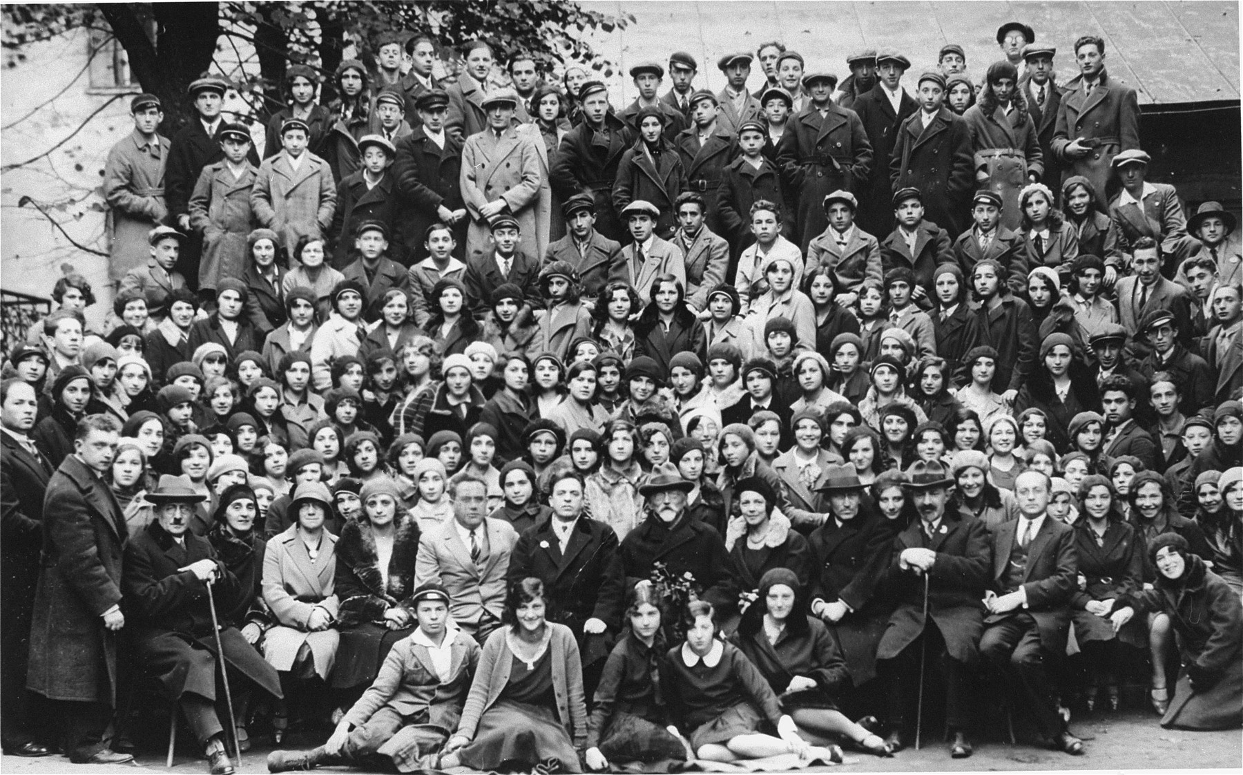Group portrait of students from the Yiddish school in Riga.