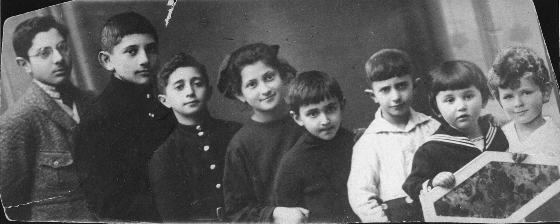 Portrait of the first cousins of the Bobrow family.