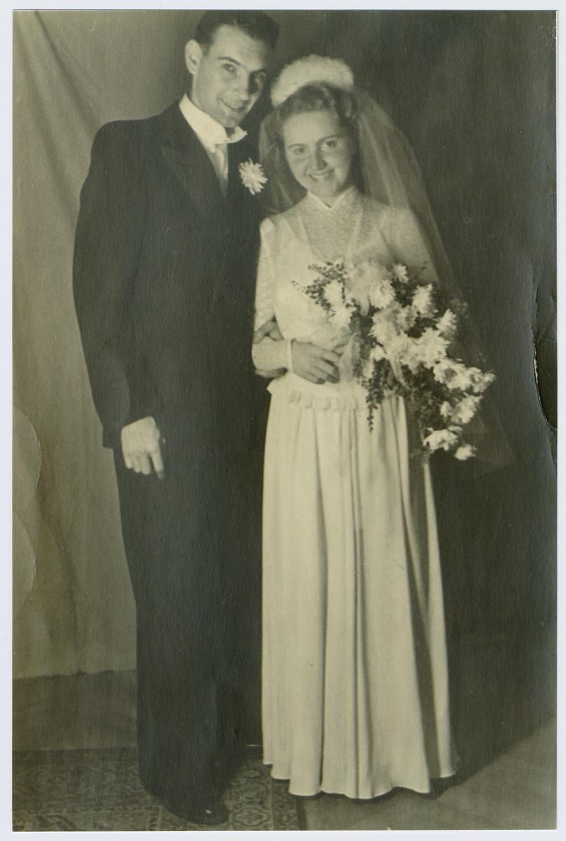 Wedding portrait of Lilly and Geza Szonyi.