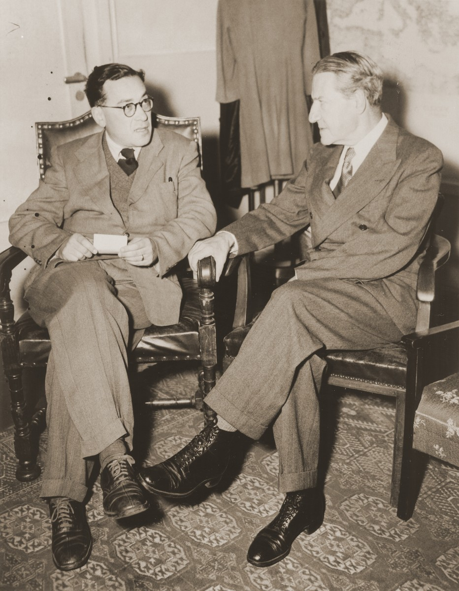 Visiting American Jewish leader, Rabbi Stephen Wise (right) meets with the Chairman of the Central Committee of Liberated Jews in Bavaria, Samuel Gringauz.