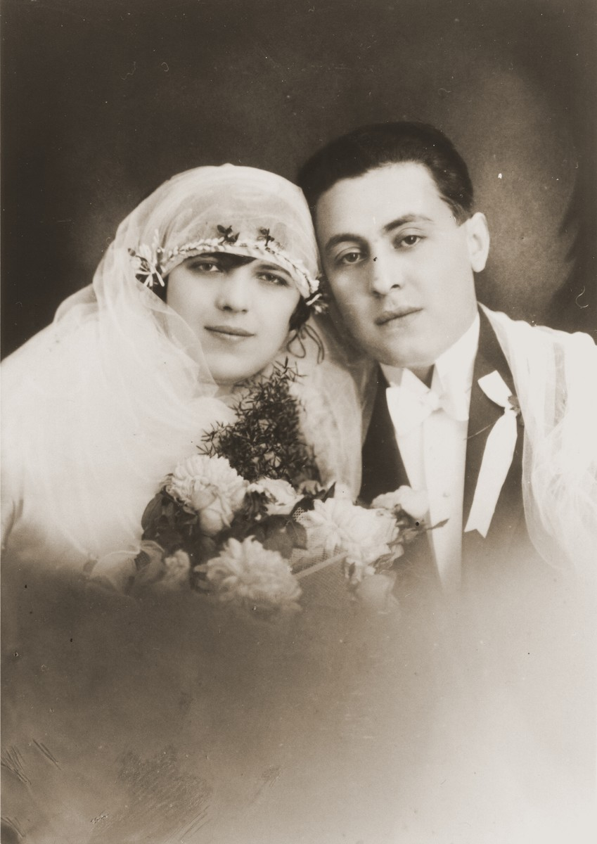 Wedding portrait of Minna and Sam Goldstein, the aunt and uncle of Leo Bretholz.