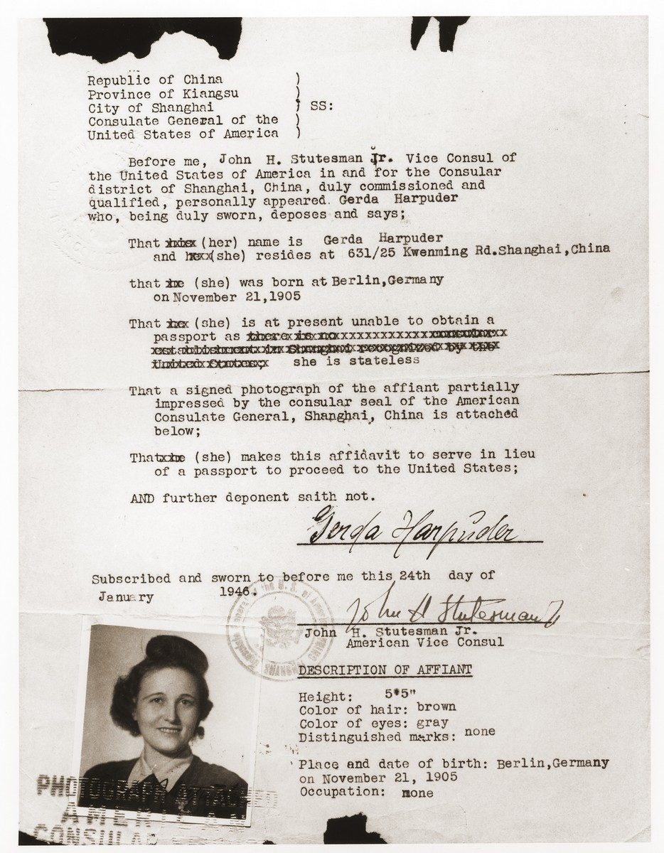 An affidavit issued to Gerda Harpuder by the American Consulate in Shanghai, that was to serve in lieu of a passport for the purpose of her travel to the United States.