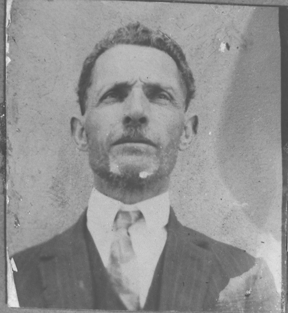 Portrait of Samuel Shozari.