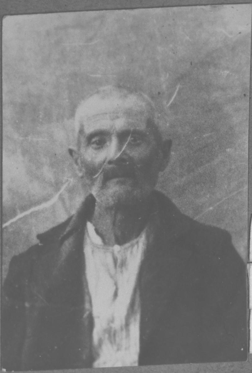 Portrait of unidentifed man.