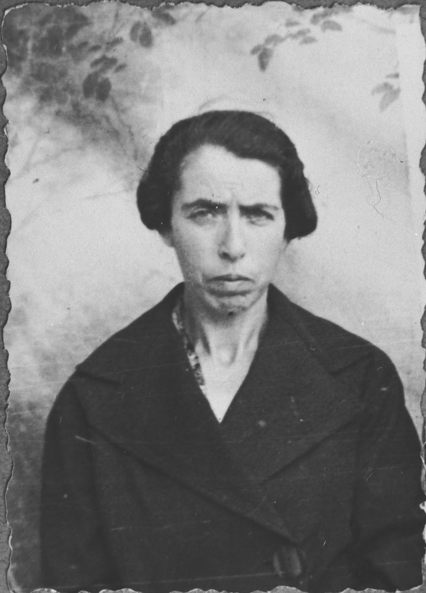Portrait of Matilda Israel, [wife of Yosef Israel].  She lived at Ferizovatska 22 in Bitola.
