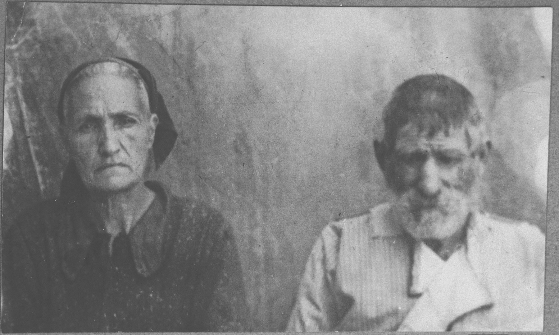 Portrait of Avram Ischach and his wife, Reina.  He was a porter.  They lived at Avliya 17 in Bitola.