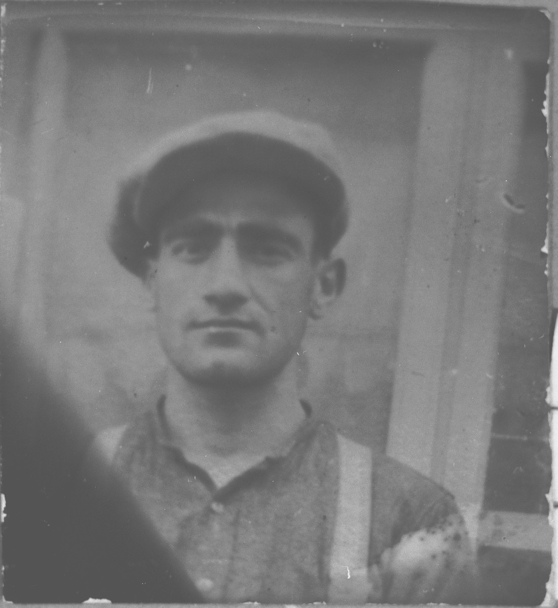 Portrait of Isak (K.) Ischach.  He was a butcher.  He lived at Synagogina 14 in Bitola.