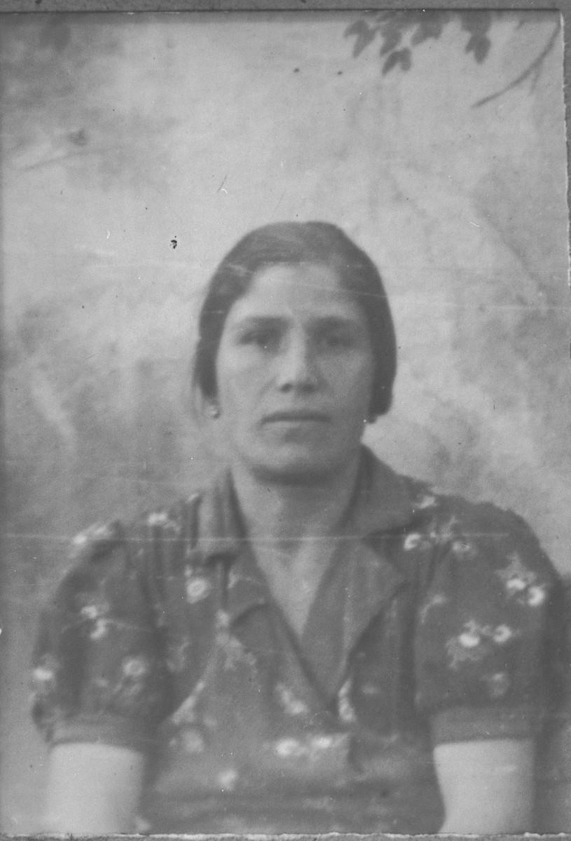 Portrait of Arnesta Ischach, wife of Isak Ischach.  She lived at Synagogina 14 in Bitola.