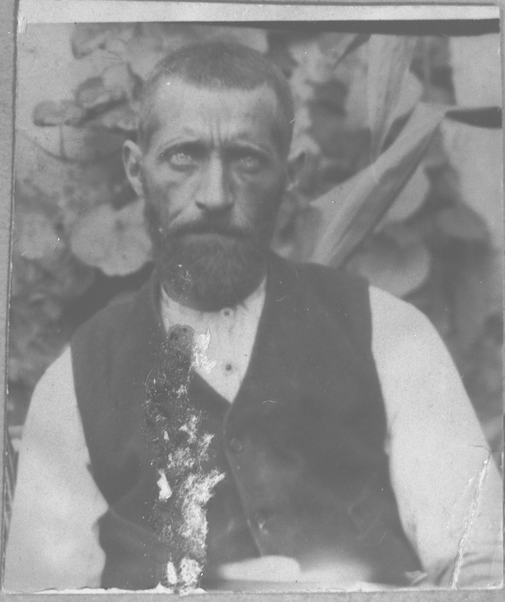 Portrait of Yosef Ischach.  He lived on Drinska 77 in Bitola.