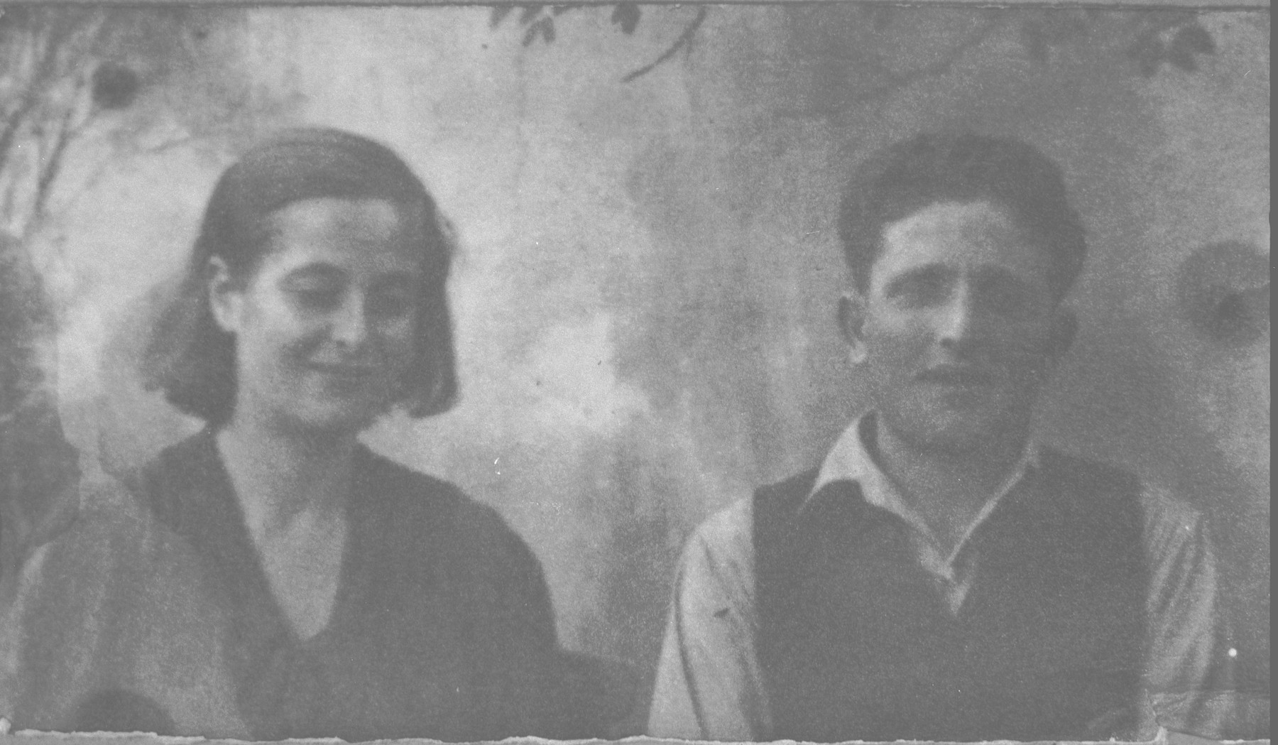 Portrait of Mair Ischach [son of Kalev Ischach] and his wife, Gracia.  He was a sackmaker.  They lived at Gligora 29 in Bitola.