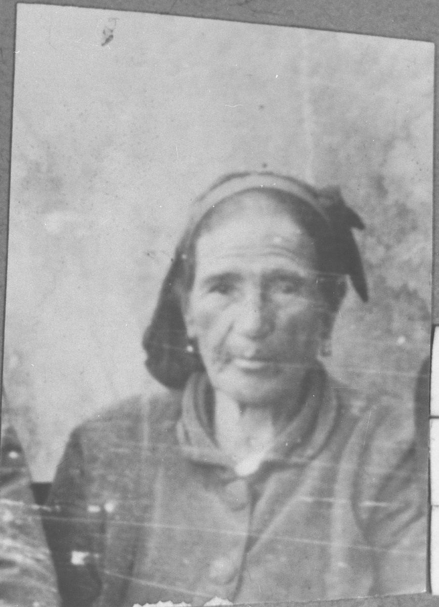 Portrait of Miriam Ischach, wife of Kalev Ischach.  She lived at Synagogina 14 in Bitola.