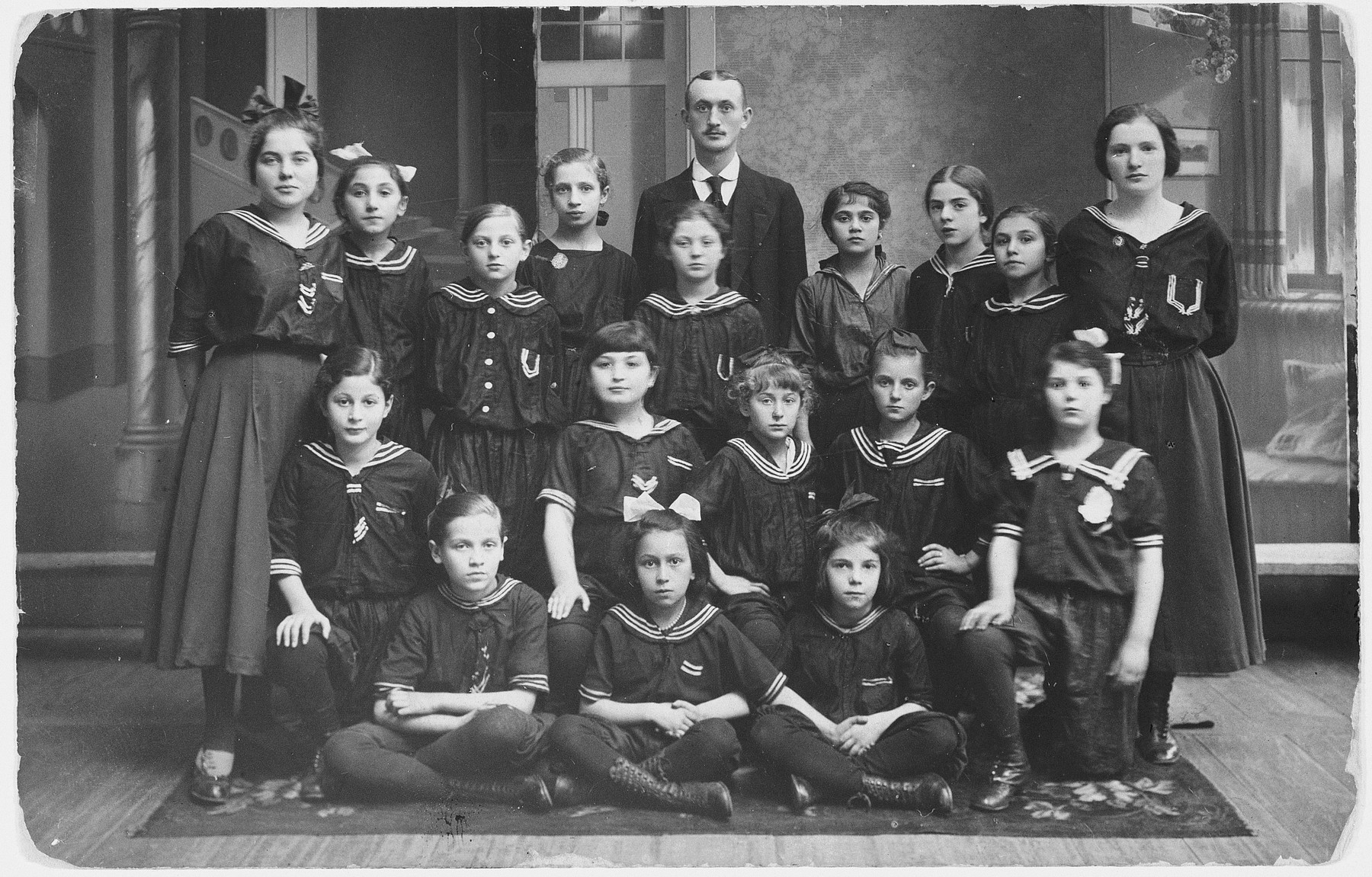 Polish and Jewish girls in a gymnasium in Wloclawek.  Among those pictured is Henia Dyszel.