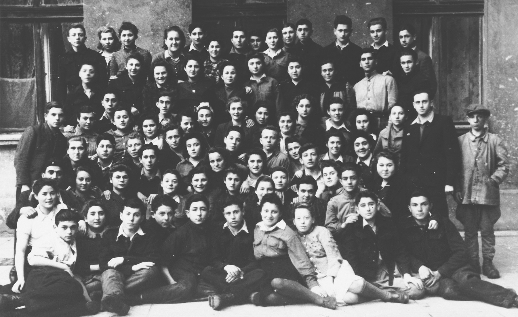 Group portrait of a Zionist children's home in Lodz.
