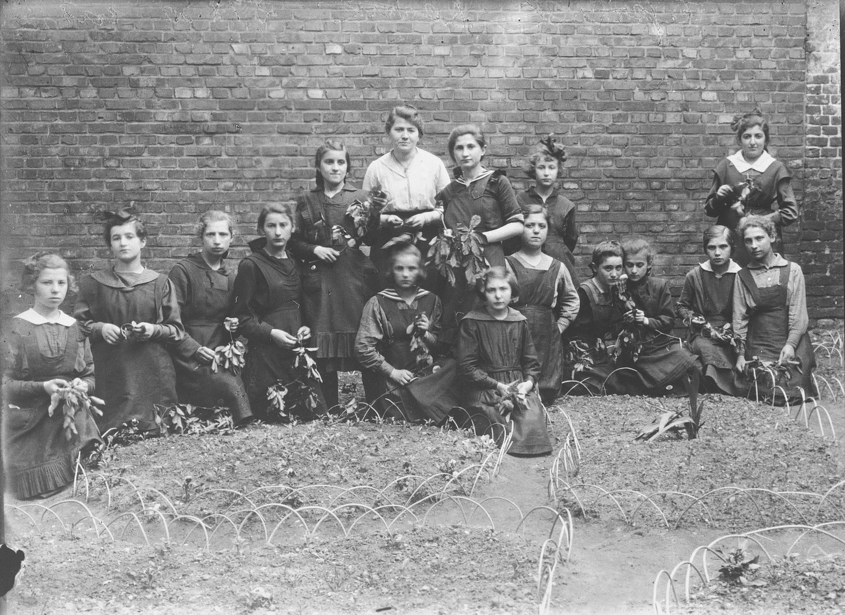Polish and Jewish girls in a gymnasium in Wloclawek.  Among those pictured is Helen Dyszel.